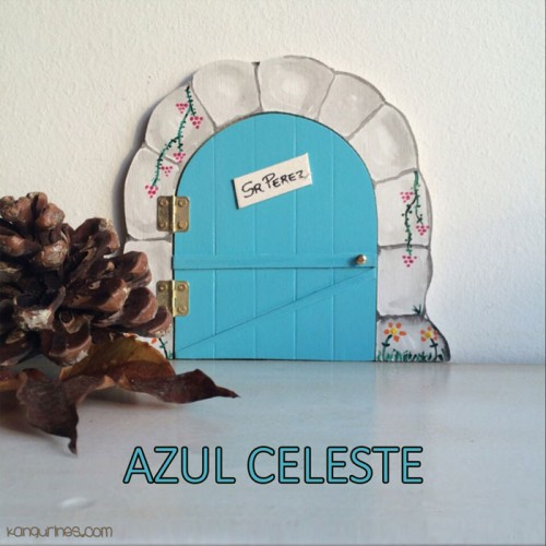 Puerta Ratoncito Pérez. Azul celeste