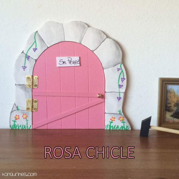 Puerta Ratoncito Pérez. Rosa chicle