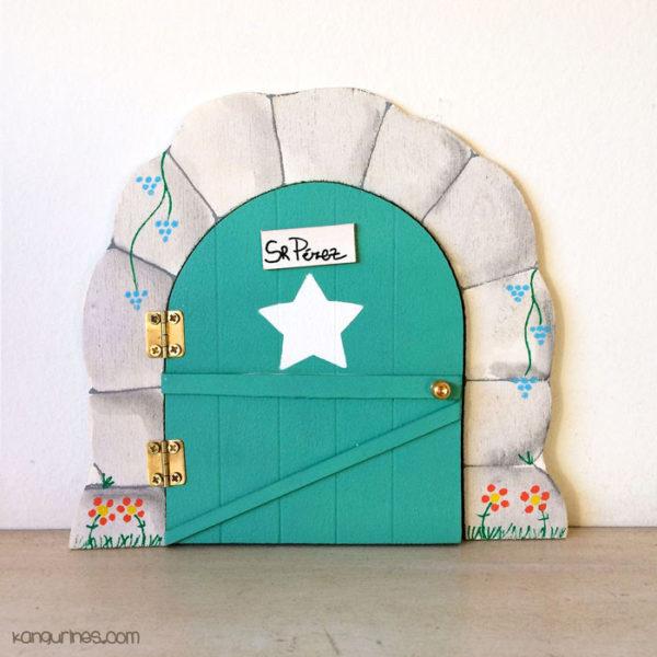 Puerta del Ratoncito Pérez personalizada con una estrella grande