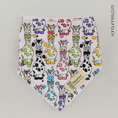 Babero quita-babas / Bandana. Jirafas multicolor rosa