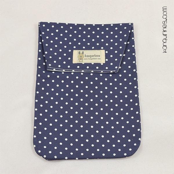 Bolsa porta pañales. Azul marino con lunares blancos