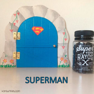 Puerta Ratoncito Pérez. Superman