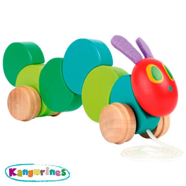 Juguete de madera para arrastrar. La pequeña oruga glotona
